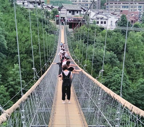带你了解如何判断网红吊桥施工厂家是否可靠