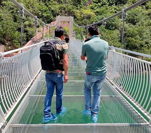 大型玻璃吊桥