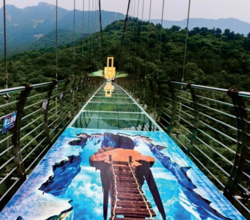 景区创意玻璃吊桥
